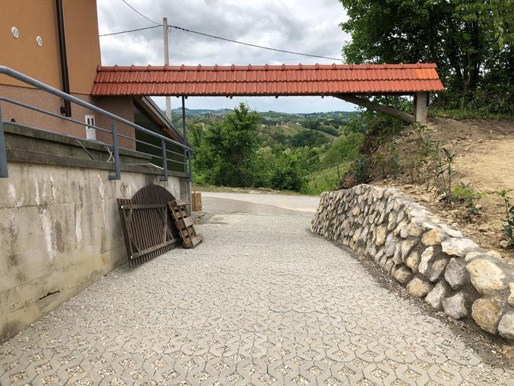 skarpe_suhozid_betonske_resetke_tlakavci_krov_hortikultura_oaza_05